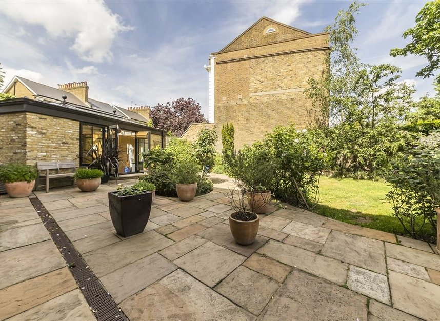 Properties for sale in Lansdowne Gardens - SW8 2EQ view9
