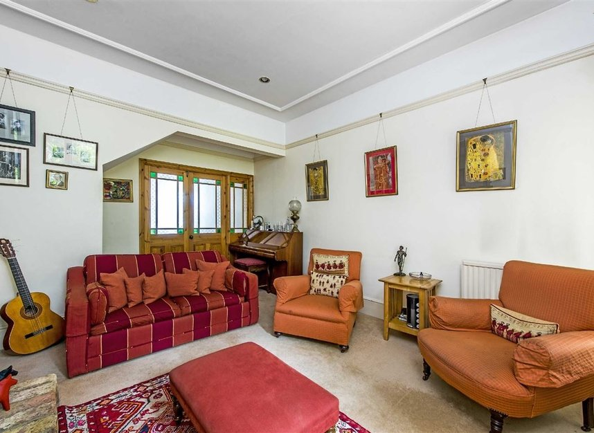 Properties for sale in Leinster Avenue - SW14 7JW view3