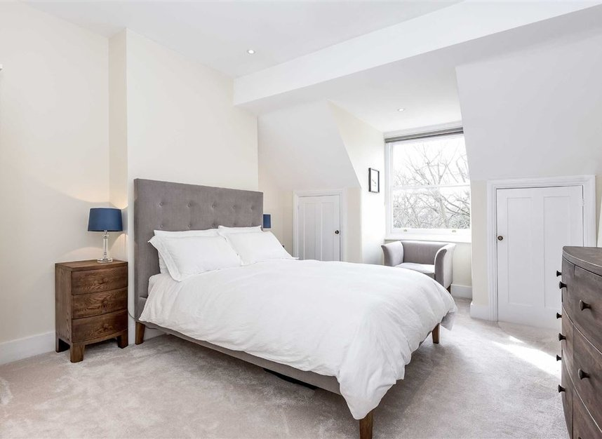 Properties for sale in Leopold Road - SW19 7JE view4