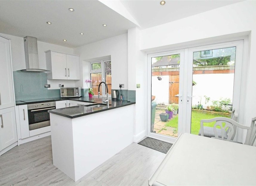 Properties sold in Lisbon Avenue - TW2 5HL view3