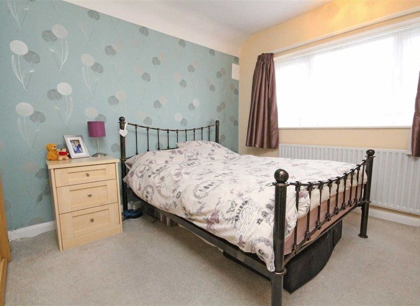 Properties for sale in Lisbon Avenue - TW2 5HL view4