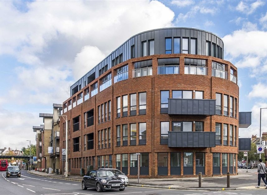 Properties for sale in London Road - KT2 6QL view1