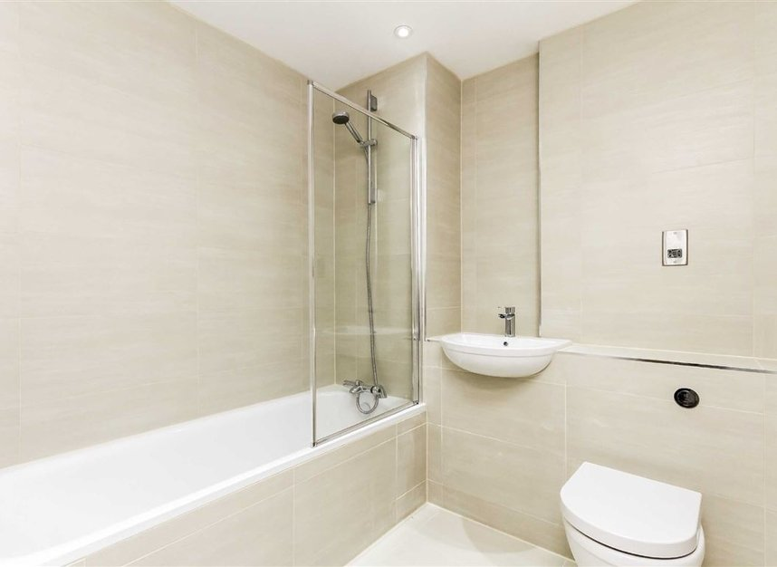 Properties for sale in London Road - KT2 6QL view5