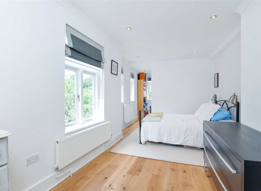 Properties for sale in Lorn Road - SW9 0AD view4