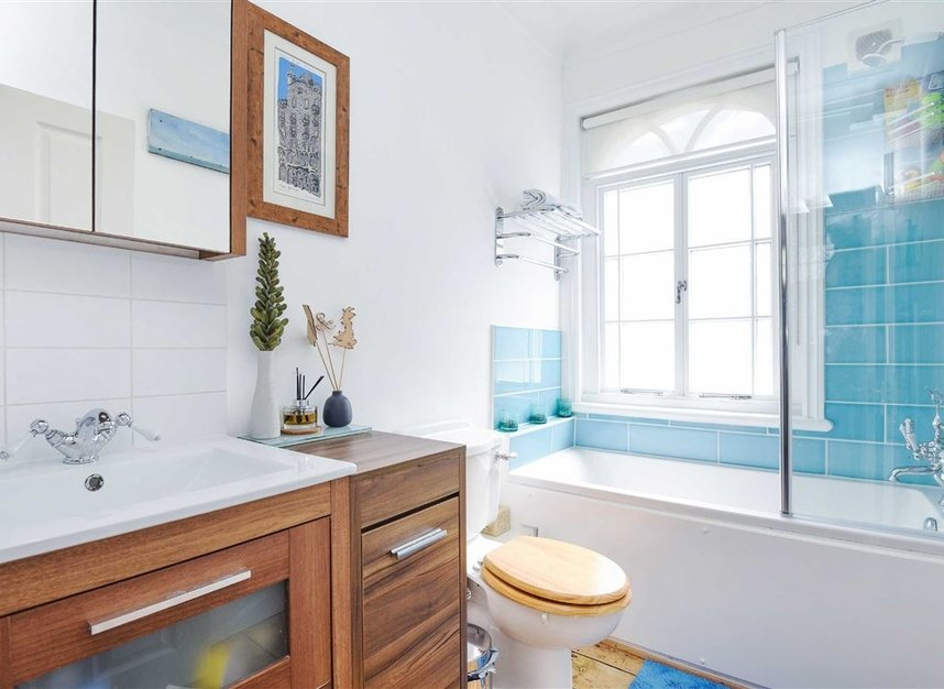 Properties for sale in Lorn Road - SW9 0AD view5