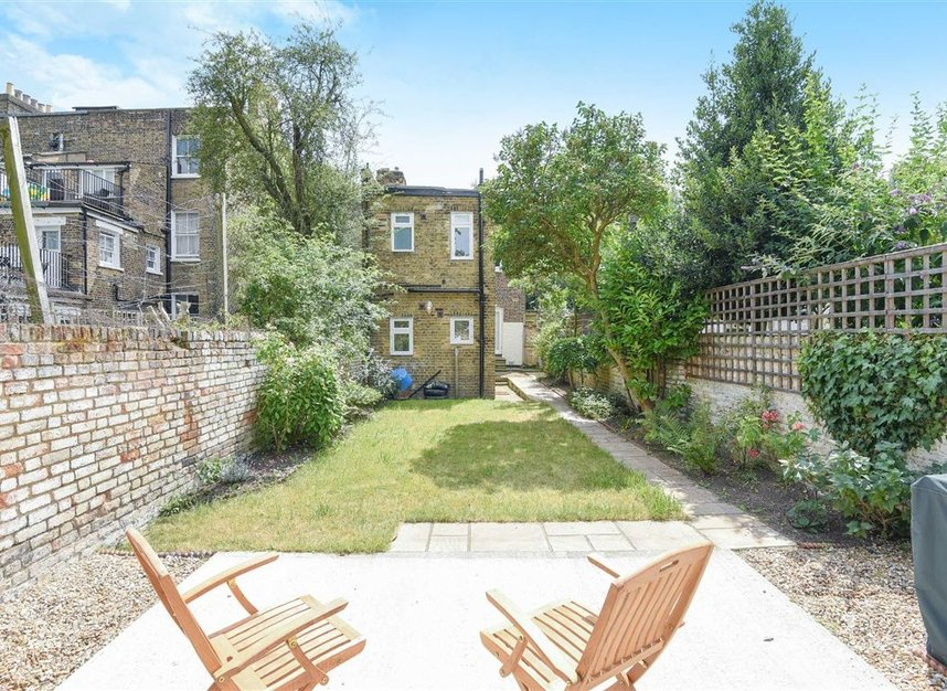 Properties for sale in Lorn Road - SW9 0AD view6