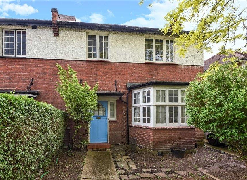 Properties for sale in Lynton Road - W3 9HP view1