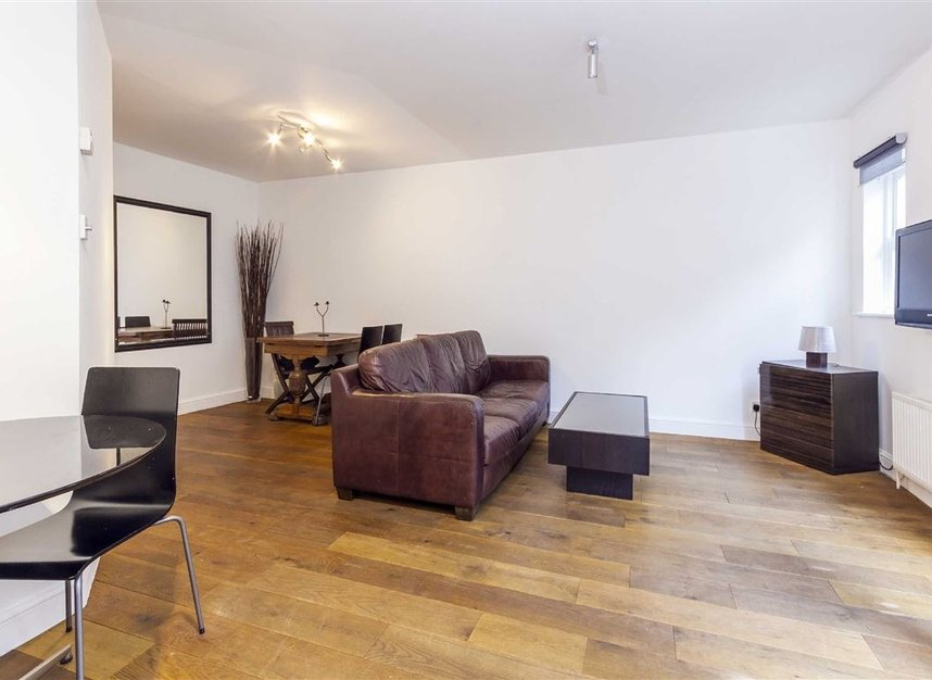 Properties for sale in Malvern Mews - NW6 5PT view2