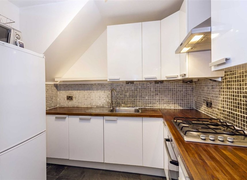Properties for sale in Malvern Mews - NW6 5PT view3