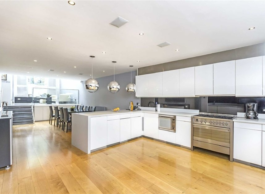 Properties for sale in Marlborough Place - NW8 0PT view4