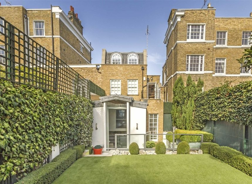 Properties for sale in Marlborough Place - NW8 0PT view2