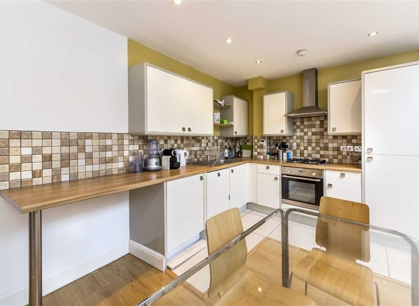 Properties for sale in Moray Mews - N7 7DY view2
