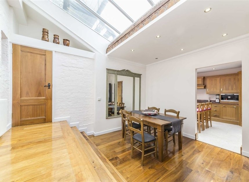 Properties for sale in Napier Road - W14 8LQ view4
