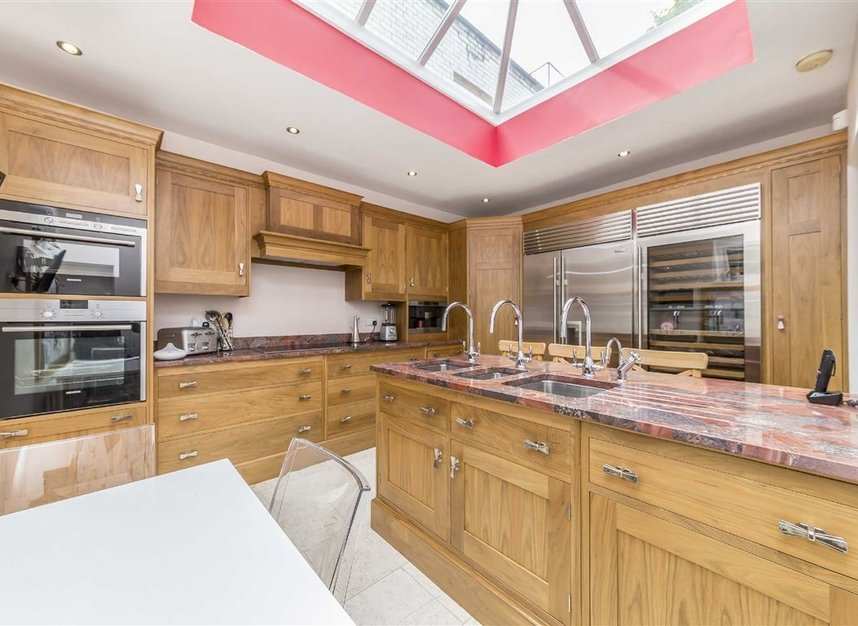 Properties for sale in Napier Road - W14 8LQ view5