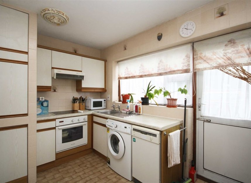 Properties for sale in Oldfield Road - TW12 2HP view2