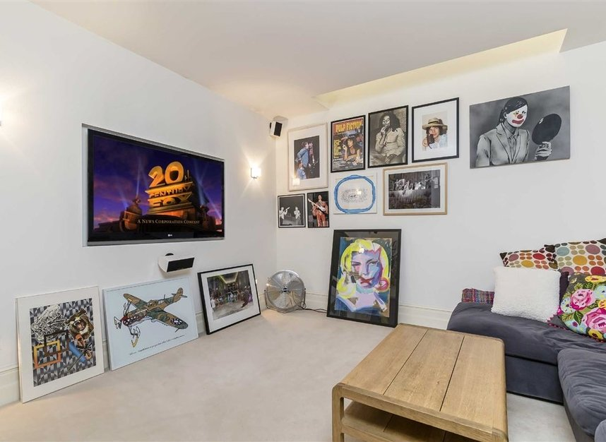 Properties for sale in Princedale Road - W11 4NL view5