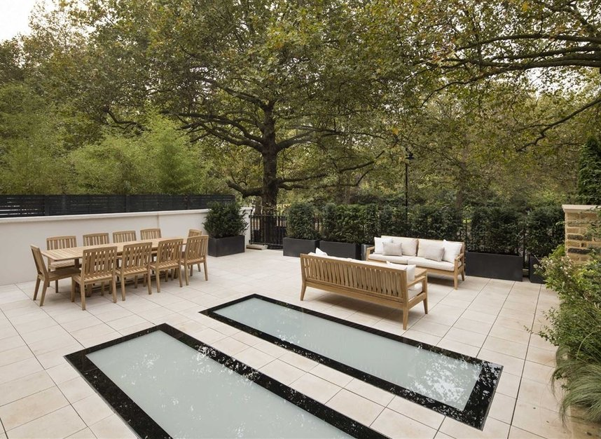 Properties for sale in Queen Annes Gate - SW1H 9AB view8