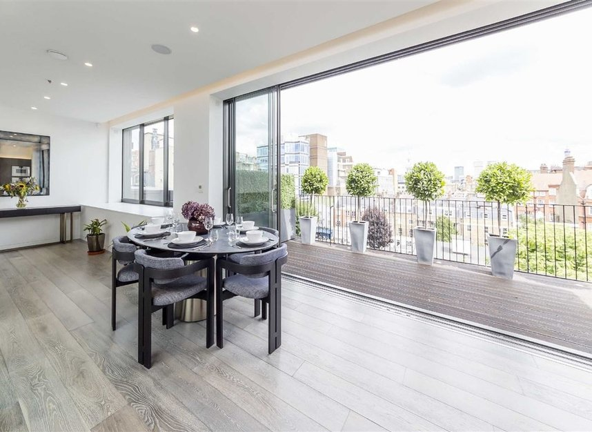 Properties for sale in Seymour Place - W1H 1BG view2