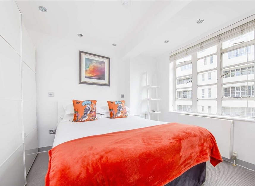 Properties for sale in Sloane Avenue - SW3 3BE view3