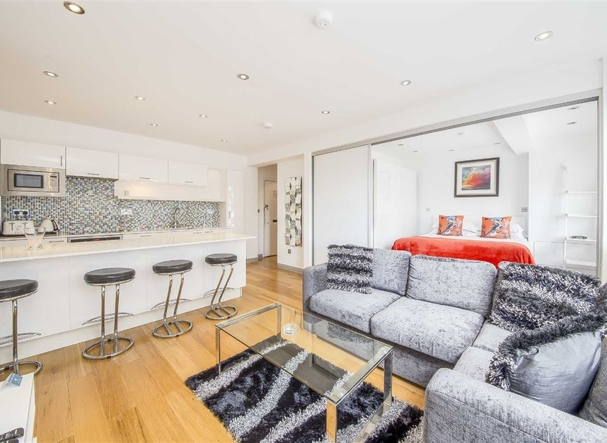 Properties for sale in Sloane Avenue - SW3 3BE view2