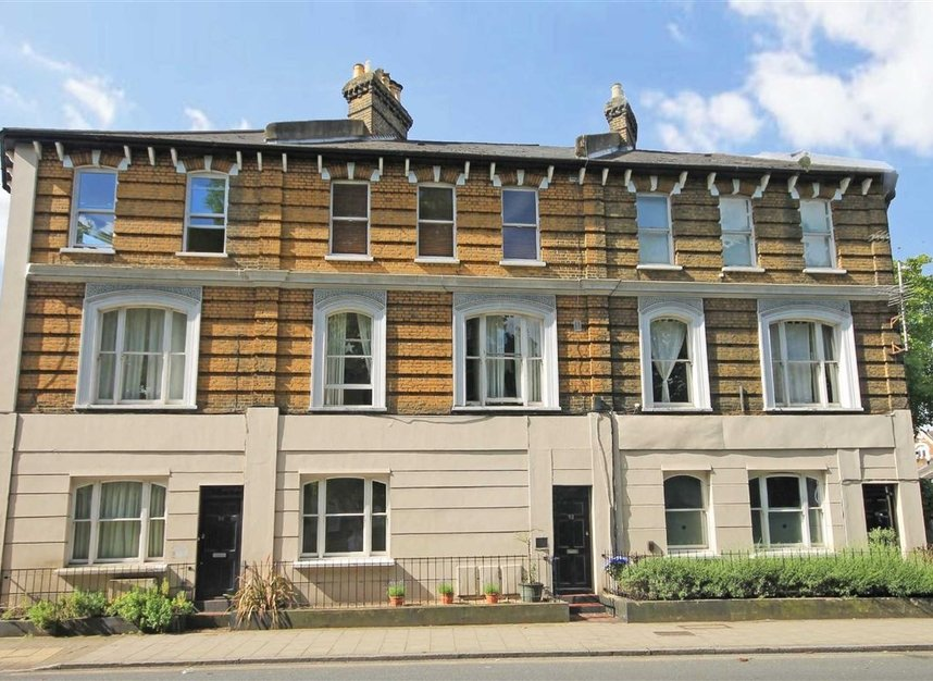 Properties for sale in St. Margarets Road - TW1 2LJ view1