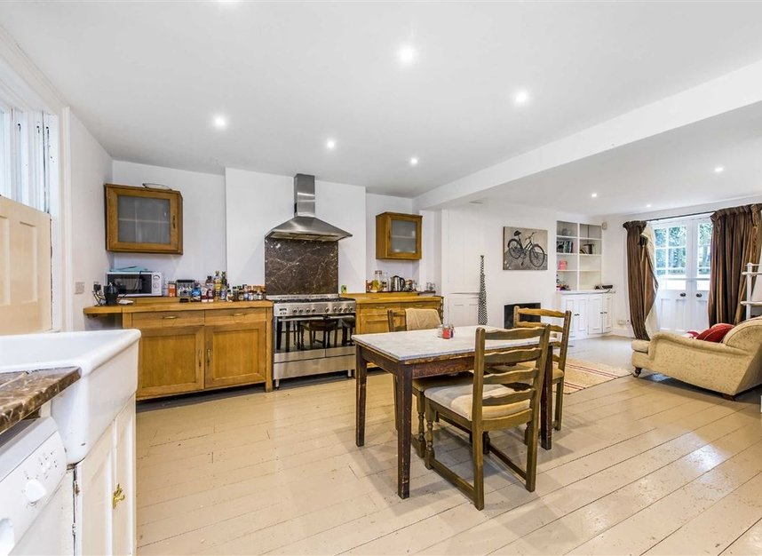 Properties for sale in St. Martin's Road - SW9 0SW view4