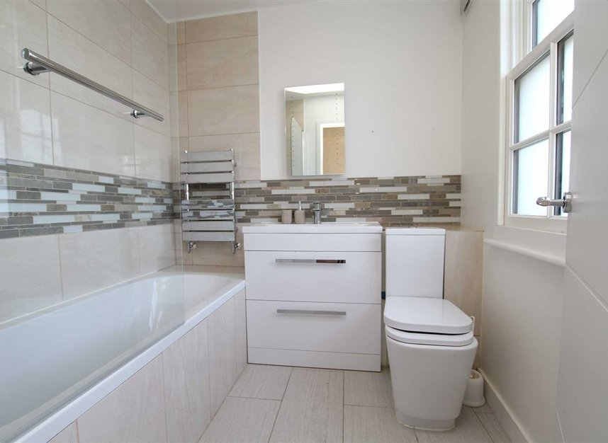Properties for sale in Upper Richmond Road - SW15 2SP view6