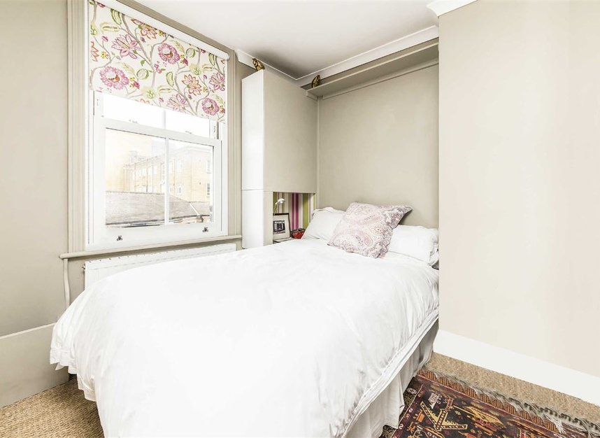 Properties for sale in Vauxhall Grove - SW8 1TD view4