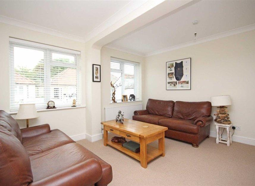 Properties for sale in Willow Way - TW16 6BT view4
