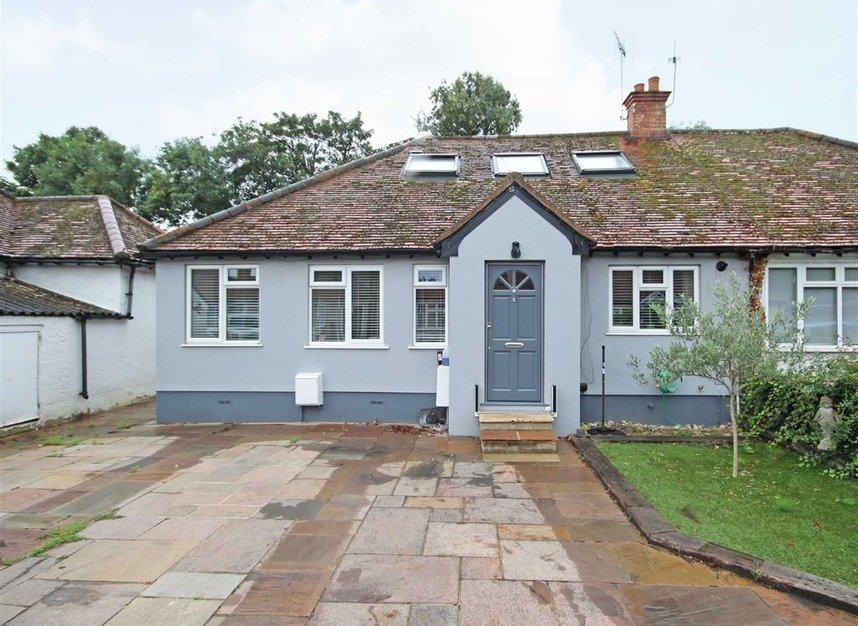 Properties for sale in Willow Way - TW16 6BT view1