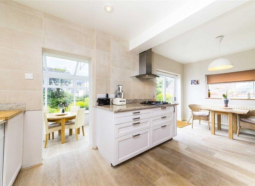 Properties for sale in Worple Road - TW7 7AP view4