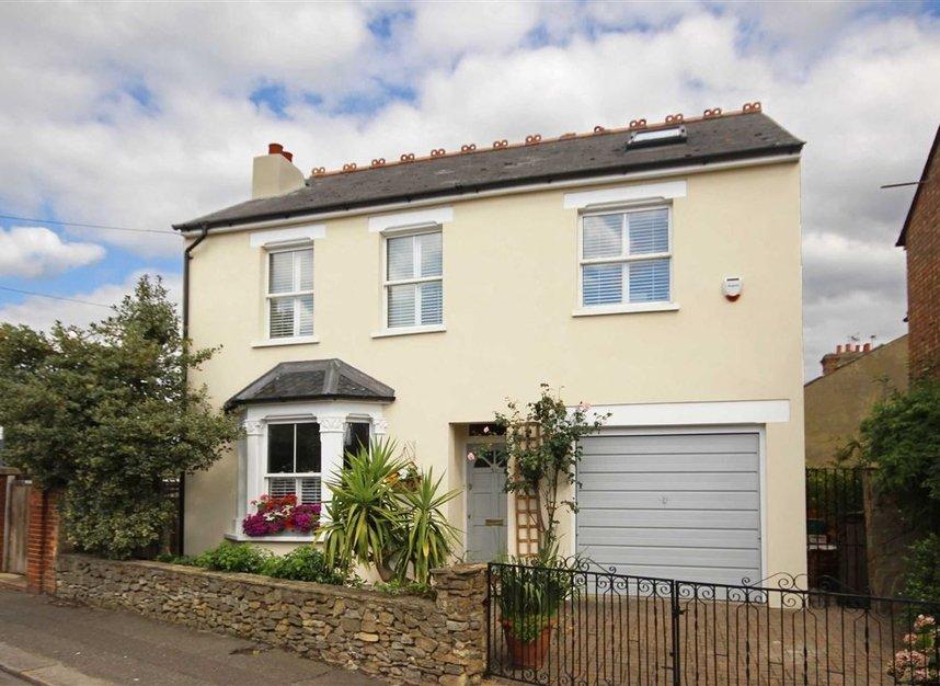 Properties for sale in Worple Road - TW7 7AP view1