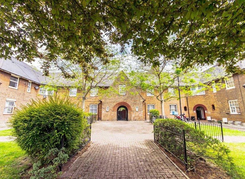 Properties for sale in Wulfstan Street - W12 0AD view1