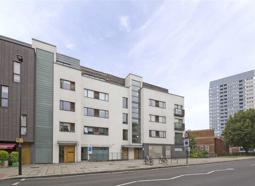 Properties to let in Abbey Road - NW8 0AG view1