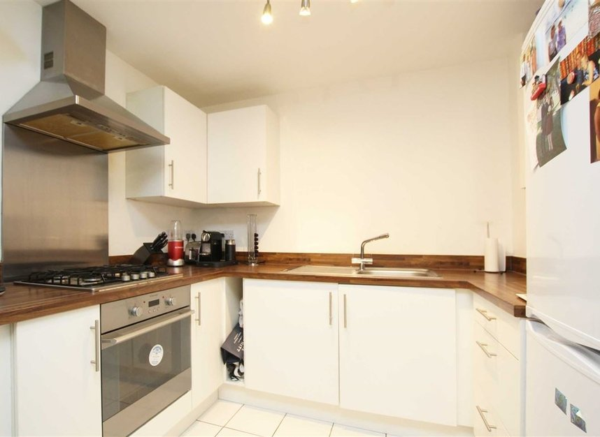 Properties to let in Annabel Close - E14 6DP view3