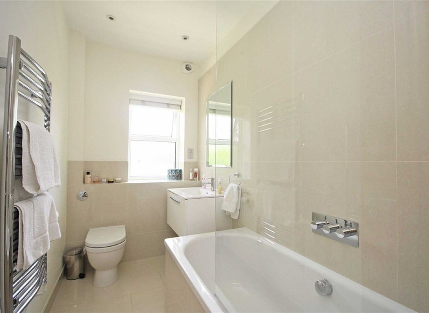 Properties to let in Arlington Road - TW1 2AU view5