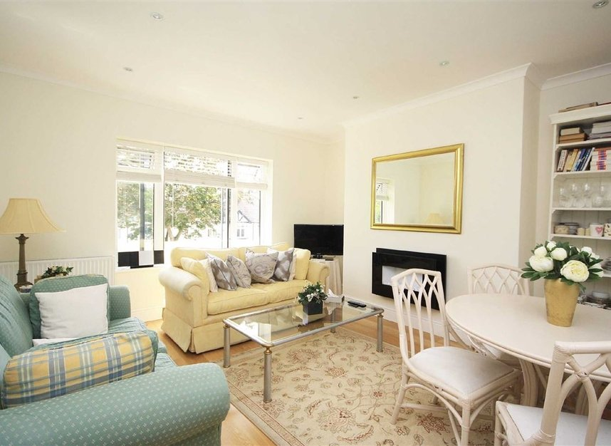 Properties to let in Arlington Road - TW1 2AU view2