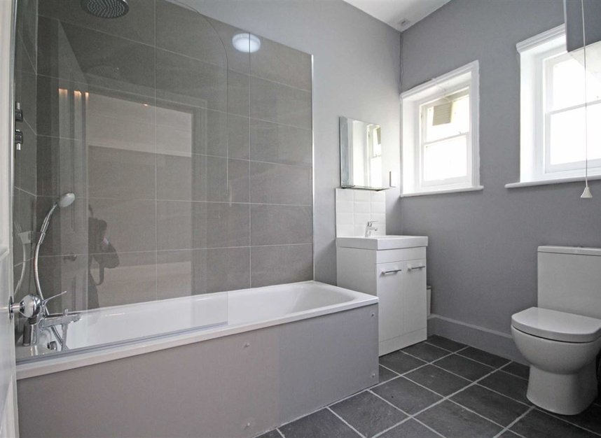 Properties to let in Avonmore Road - W14 8RS view6