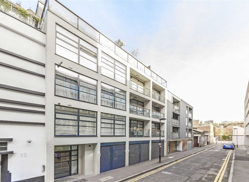 Properties to let in Bastwick Street - EC1V 3PP view1