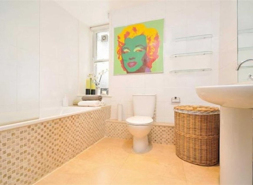 Properties to let in Bedford Avenue - WC1B 3AD view6