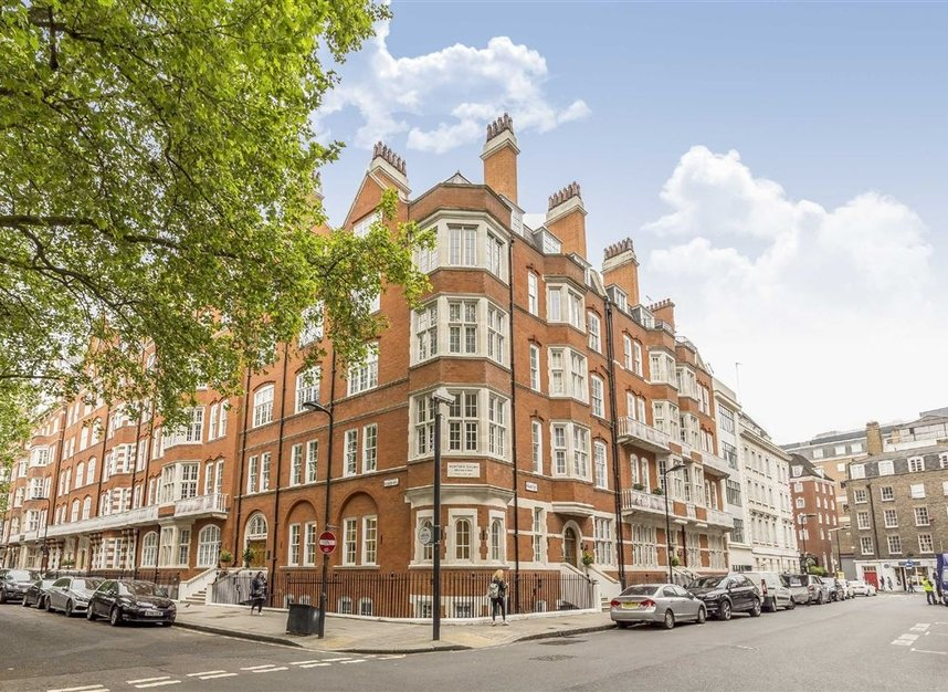 Properties to let in Bedford Avenue - WC1B 3AD view1