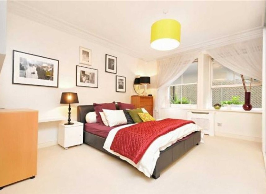 Properties to let in Bedford Avenue - WC1B 3AD view5