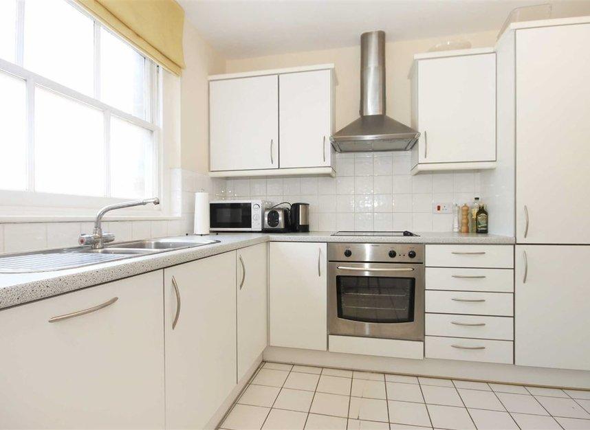 Properties to let in Bishopsgate - EC2M 4NR view2