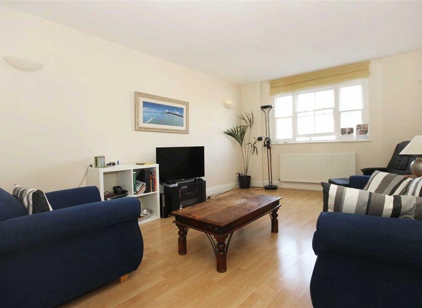 Properties to let in Bishopsgate - EC2M 4NR view1