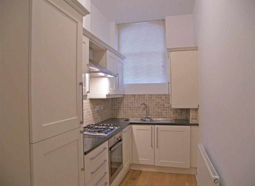 Properties to let in Borough Road - TW7 5FJ view3