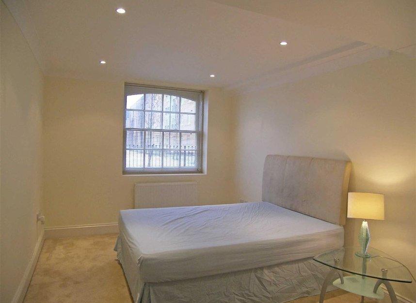 Properties to let in Borough Road - TW7 5FJ view4