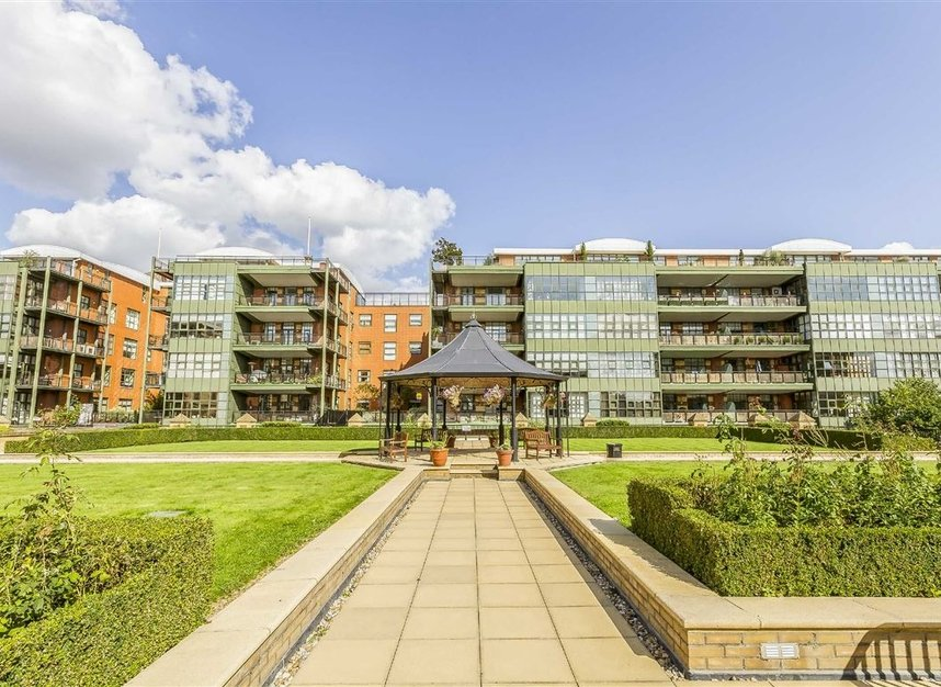 Properties to let in Brasenose Drive - SW13 8RB view8
