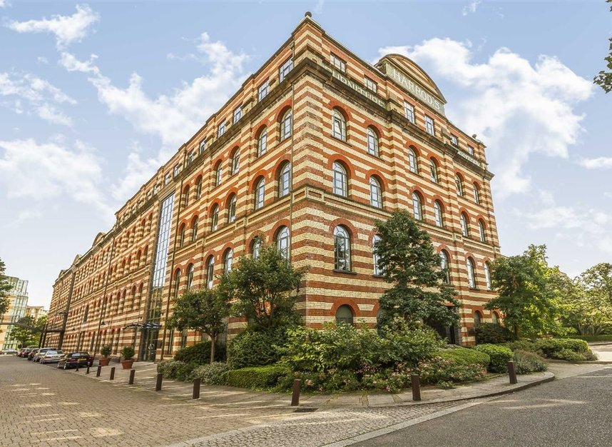 Properties to let in Brasenose Drive - SW13 8RB view1