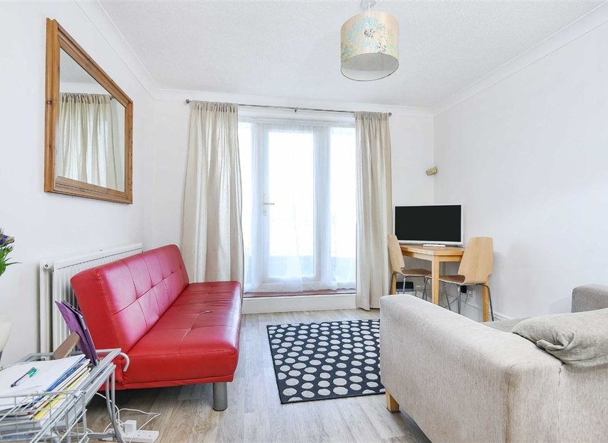 Properties to let in Caledonian Wharf - E14 3EN view2