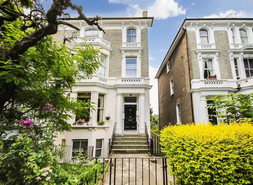 Properties to let in Cambridge Gardens - W10 6JE view1
